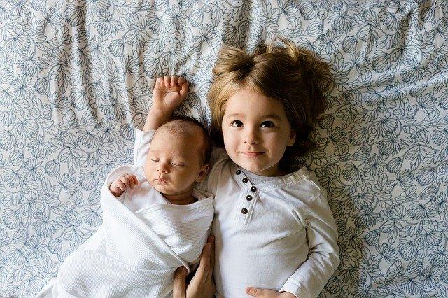 roztomilý sourozenci.jpg