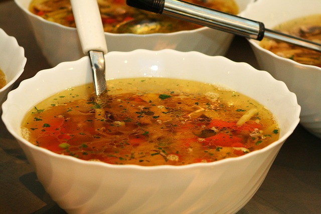 naběračka v polévce